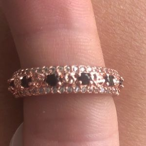 White Topaz and Onyx on a rose gold plated band